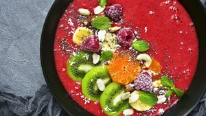 The Pomegranate & Raspberry Smoothie That's Packed With Antioxidants