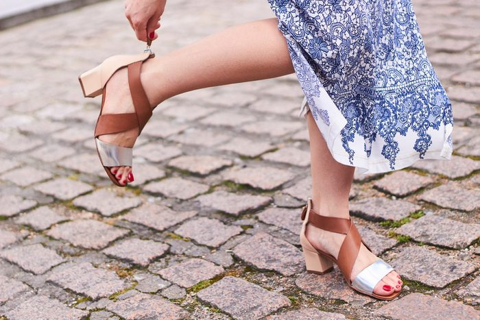 prevent foot odour_women's sandals