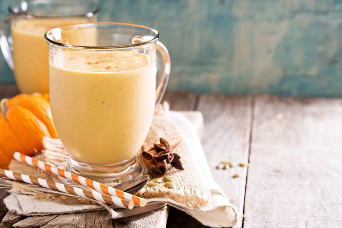 healthy pumpkin spice smoothie