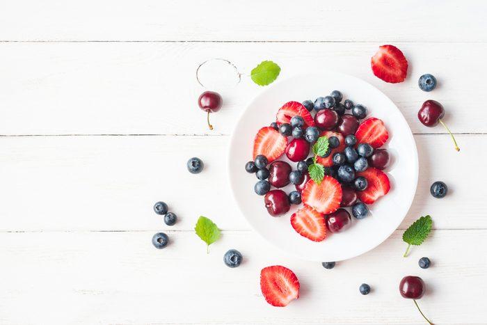 benefits of lunch breaks_fruit plate