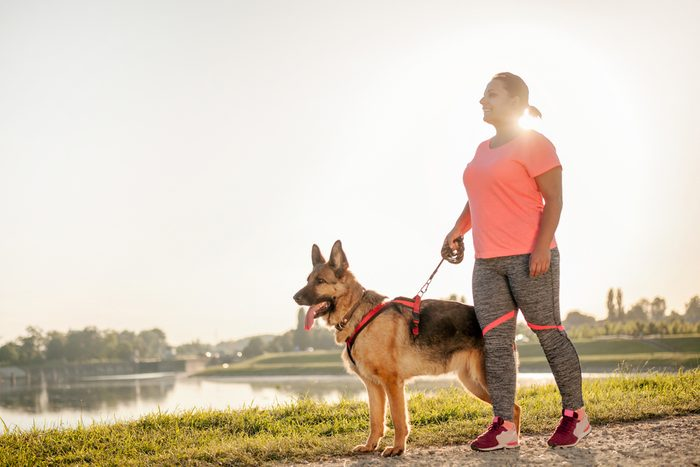 kick-start your weight loss_walking dog