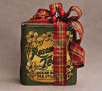 The vintage tin gift wrap