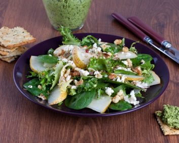 pear goat cheese crackers