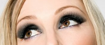 eyelashcurler1-33257611.jpg