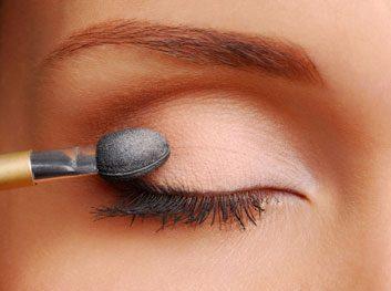 eyeshadow applicator