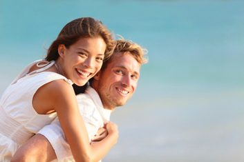 Why it's better to flirt in sunny weather