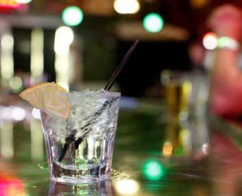 mixed drink alcohol soda beverage bar