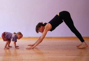 mom toddler yoga