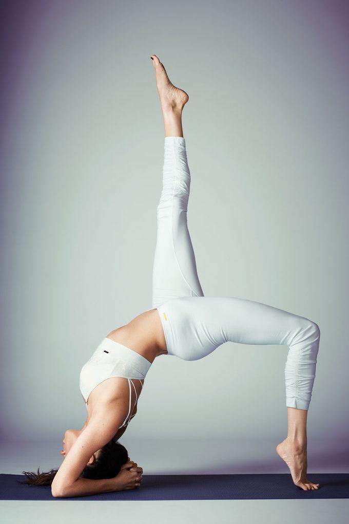 Meghan Markle yoga