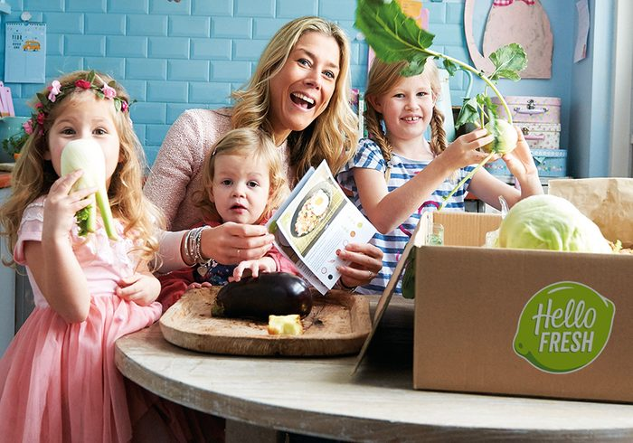 Family-Cooking-From-hello-Fresh