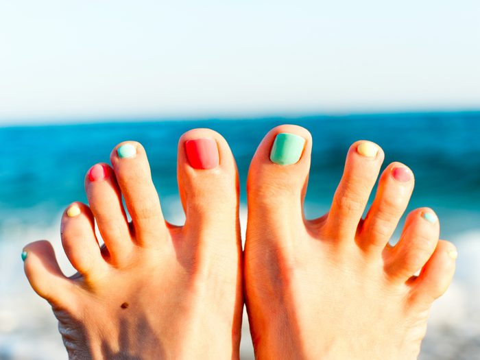 Tea tree oil can help cure toenail fungus