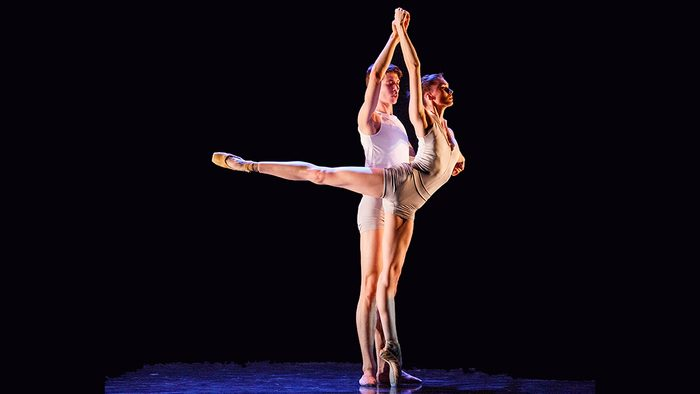 Ballerina diet lessons, a dancer couple on stage