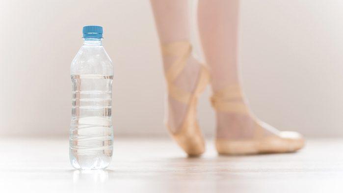 ballerinas drink water