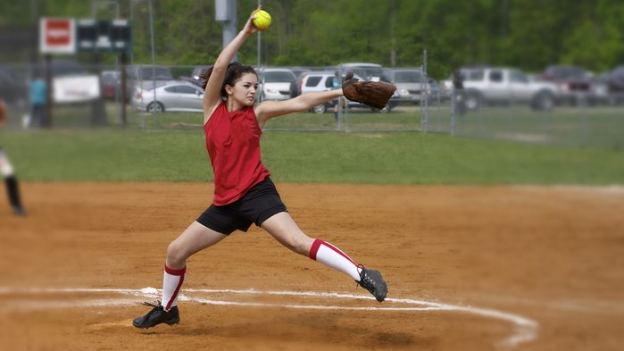how to deal with injuries, woman playing baseball