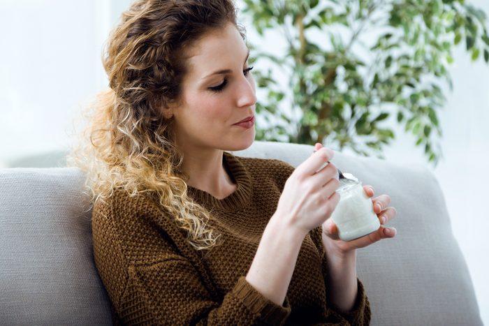 woman eating yogurt_ stress-free commute