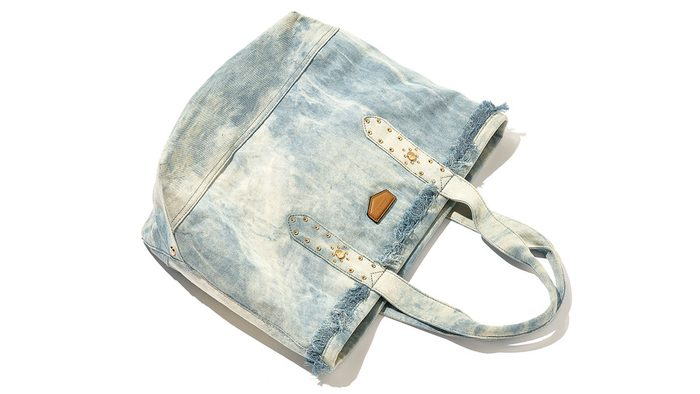 What's in Jeanne Beker's purse