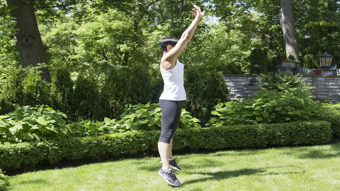 summer backyard workout burpees