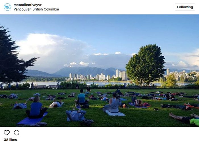 Instagram yoga, yoga at Kitsilano Beach Park