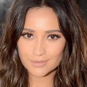 Shay Mitchell stay fit, A headshot of actress Shay Mitchell