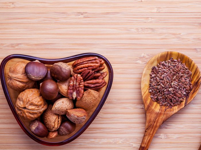 foods that fight colds nuts and seeds