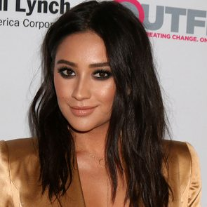 Shay-Mitchell-red-carpet-beauty