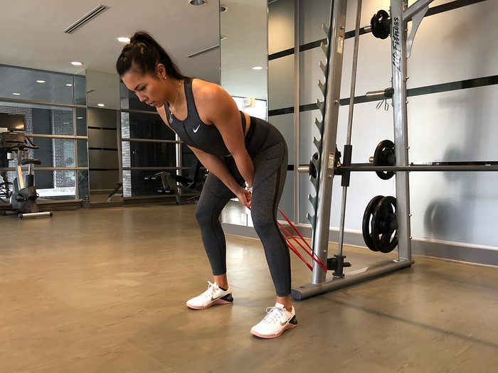 Resistance band workout, Pull-throughs with band
