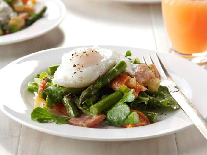 Twisted Eggs Benedict Salad   egg recipes