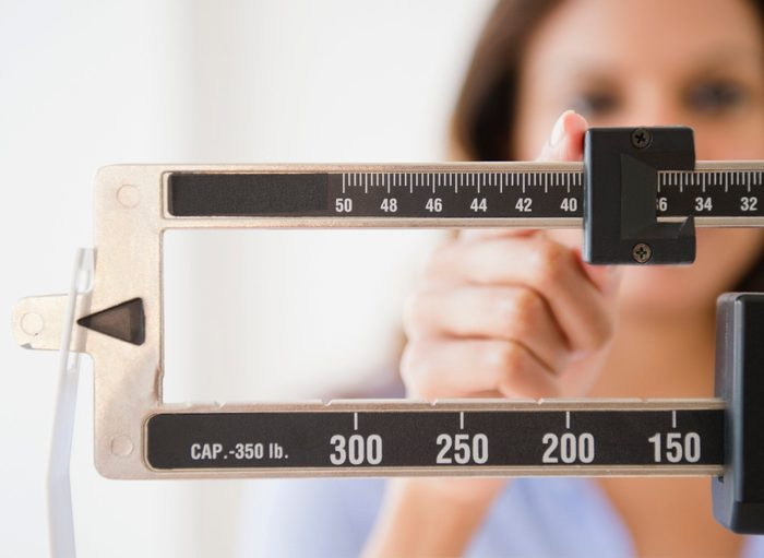 Pancreatic Cancer Signs |weight scale close up shot