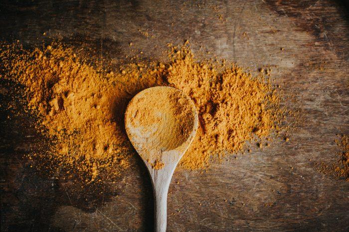 build muscle   turmeric powder overhead