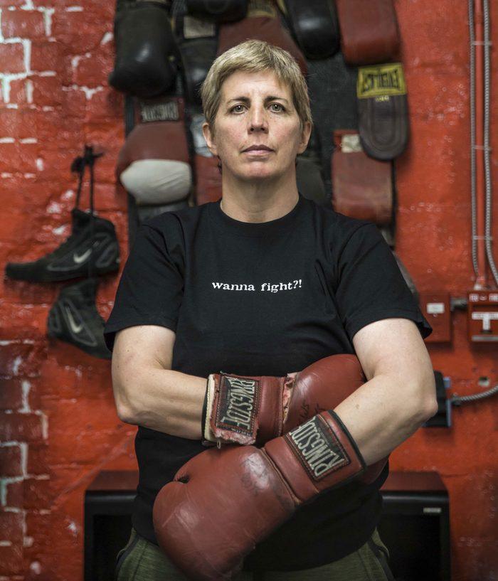 Toronto Newsgirls Boxing Club | woman in boxing gloves