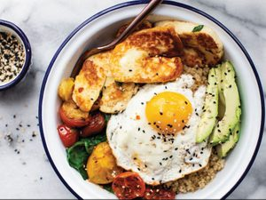 A Hearty Vegetarian Breakfast: Quinoa, Egg and Halloumi Bowls