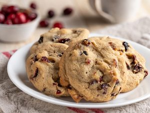 Chewy Cranberry Walnut Cookies