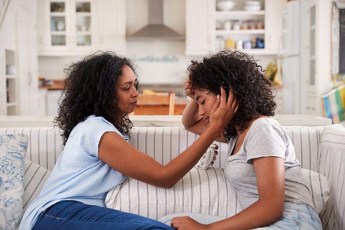 teen pre-life crisis   mom and teenage girl talking