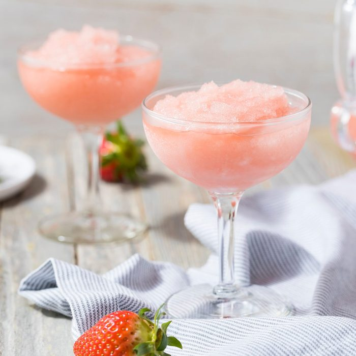 how to make frozen drinks Cold Refreshing Frozen Rosé Wine Cocktail