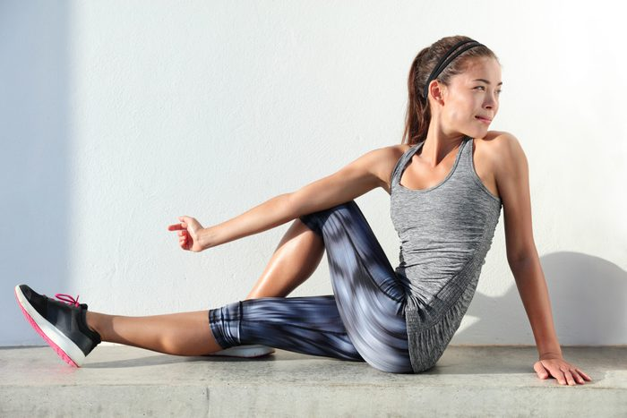 hip flexor stretch | woman doing hip stretch