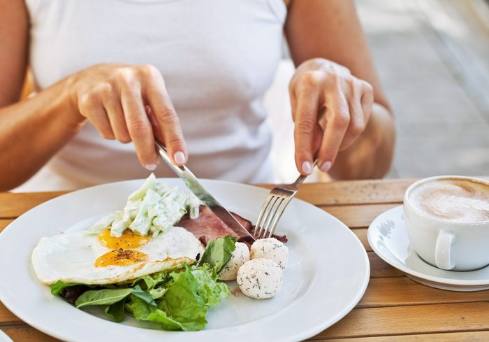 what is intuitive eating   image of food on a plate